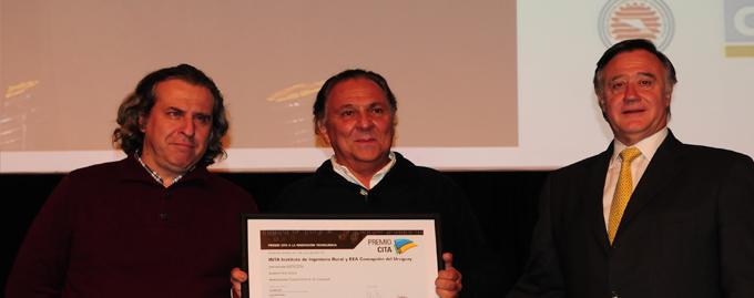 Mención de Honor a INTA Instituto de Ingeniería Rural y Estación Experimental Concepción del Uruguay por su Cosechadora de batatas